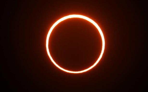 Colegio p blico 39 santa eulalia de m rida 39 for What happens if you don t wear solar eclipse glasses